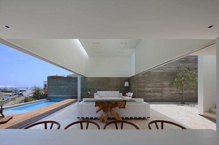 Casa La Caleta  / Llosa Cortegana Arquitectos, © Juan Solano Ojasi