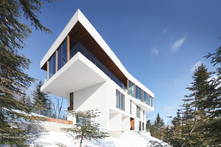 Residencia en Grands Jardins / Bourgeois Lechasseur Architectes, © Alexandre Guilbeault