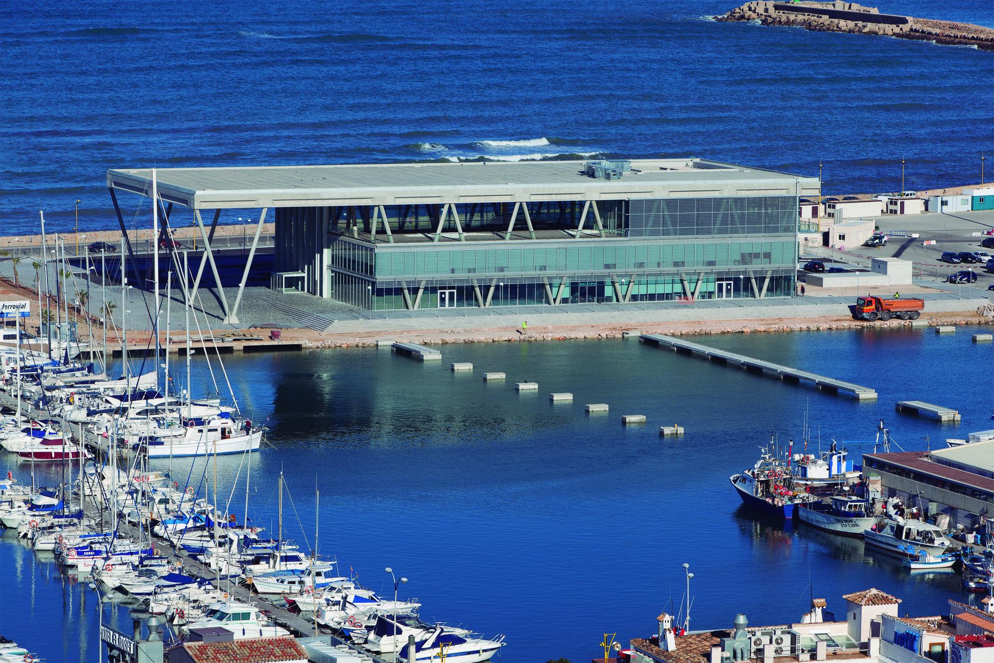 Nueva Terminal de Pasajeros del Puerto de Denia / Alberich Casqueiro + Proes Consultores SA