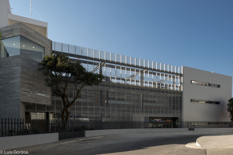 La Salle Cuernavaca University Annex Building / GBF taller de arquitectura, © Luis Gordoa