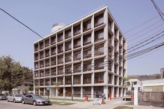 Edificio AryS  / Peñafiel Arquitectos