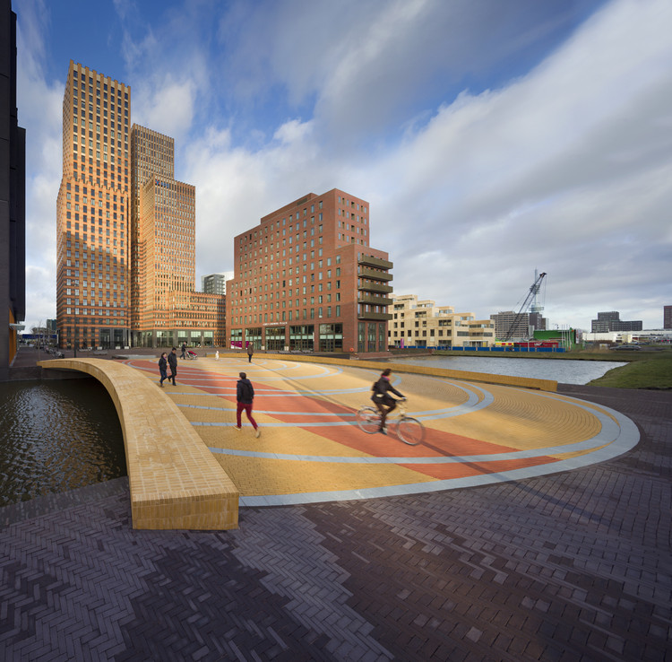 Puente peatonal Lex van Delden  / Dok Architecten, © Thijs Wolzak