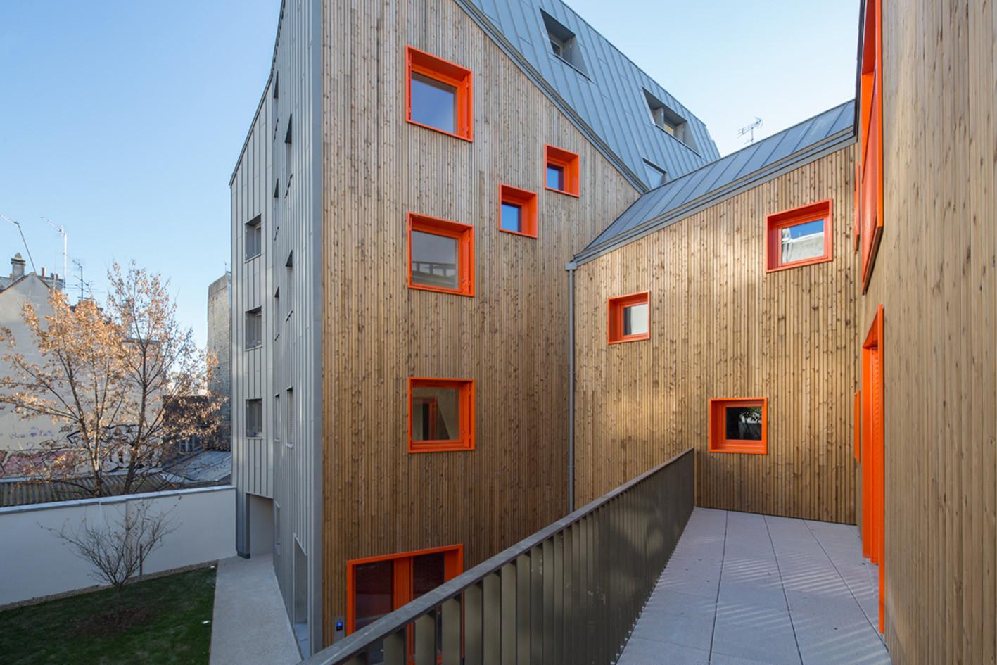 Social Housing  / Vous Êtes Ici Architectes, © 11H45