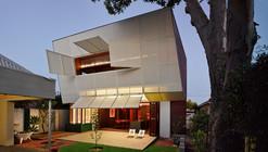 Casa 31_4 Room House / Caroline Di Costa Architect + Iredale Pedersen Hook Architects