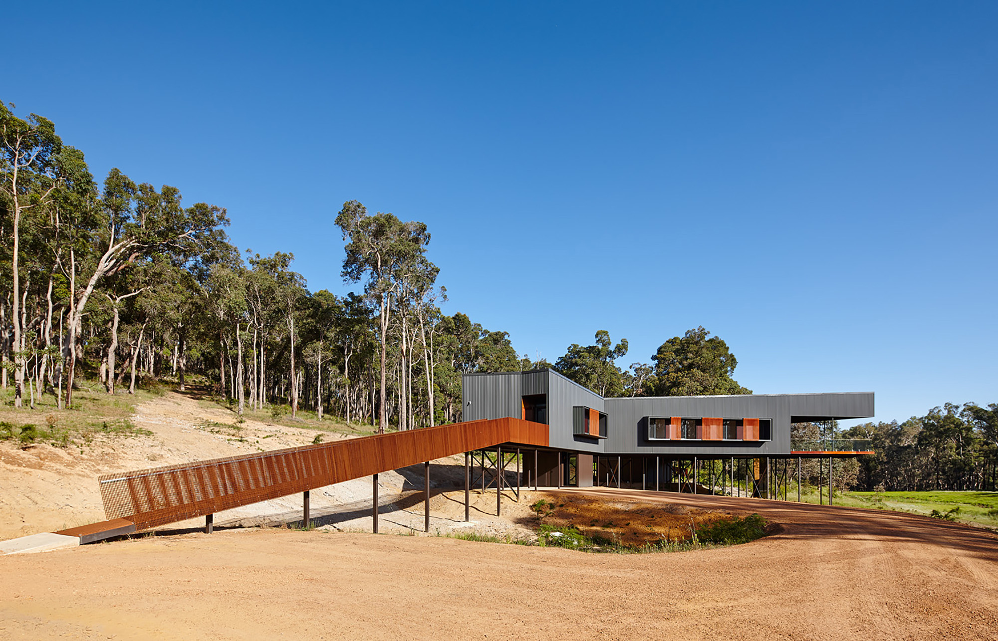 Nannup Holiday House / Iredale Pedersen Hook Architects, © Peter Bennetts