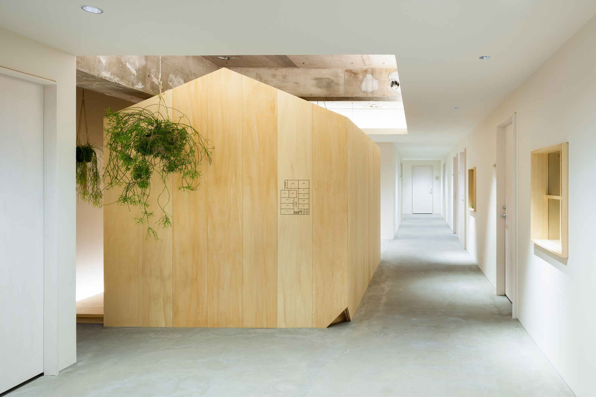 A Hut on the Corridor / Tsubasa Iwahashi Architects, © Takumi Ota
