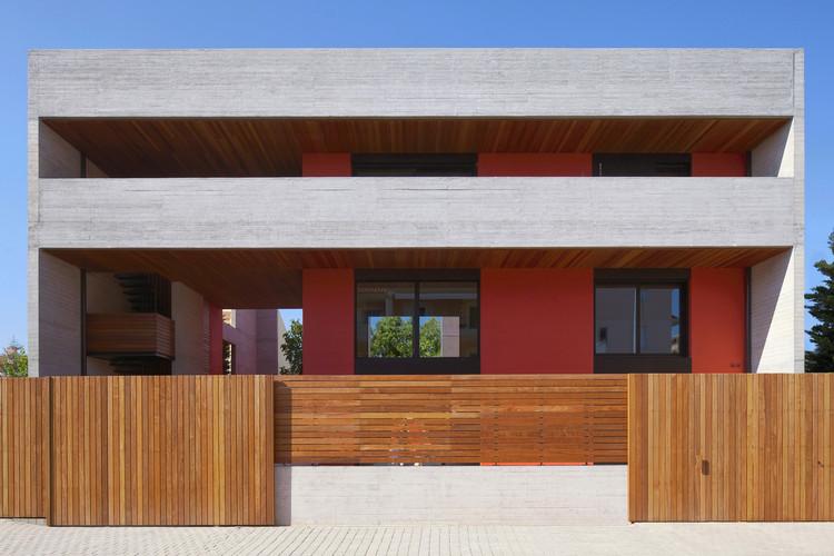 Casa en Chalandri / MOB architects, © Nikos Daniilidis
