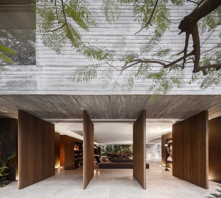 Casa dos Ipês / StudioMK27 - Marcio Kogan + Lair Reis, © Fernando Guerra | FG+SG