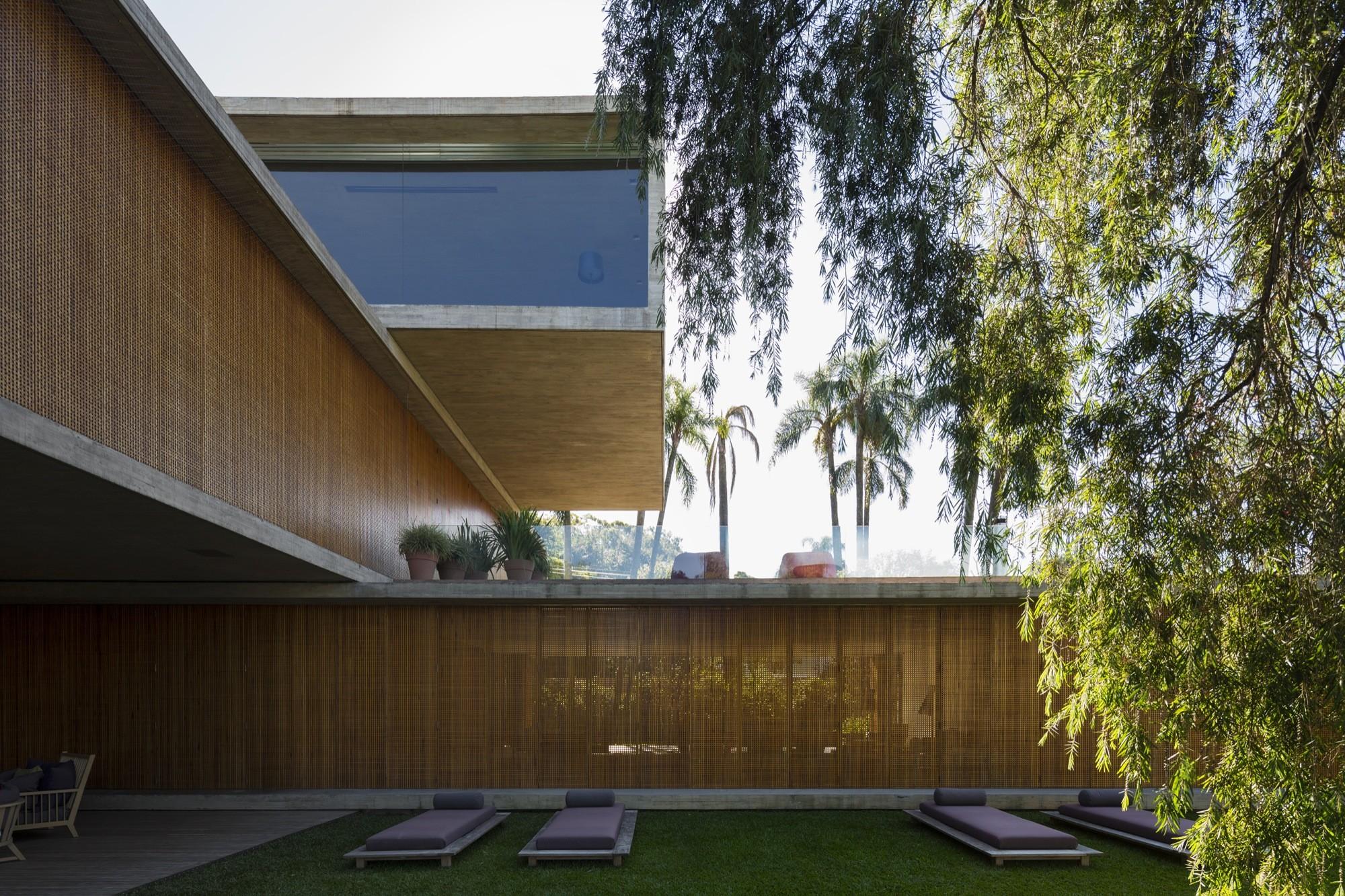 P House the p house / studio mk27 - marcio kogan + lair reis | archdaily