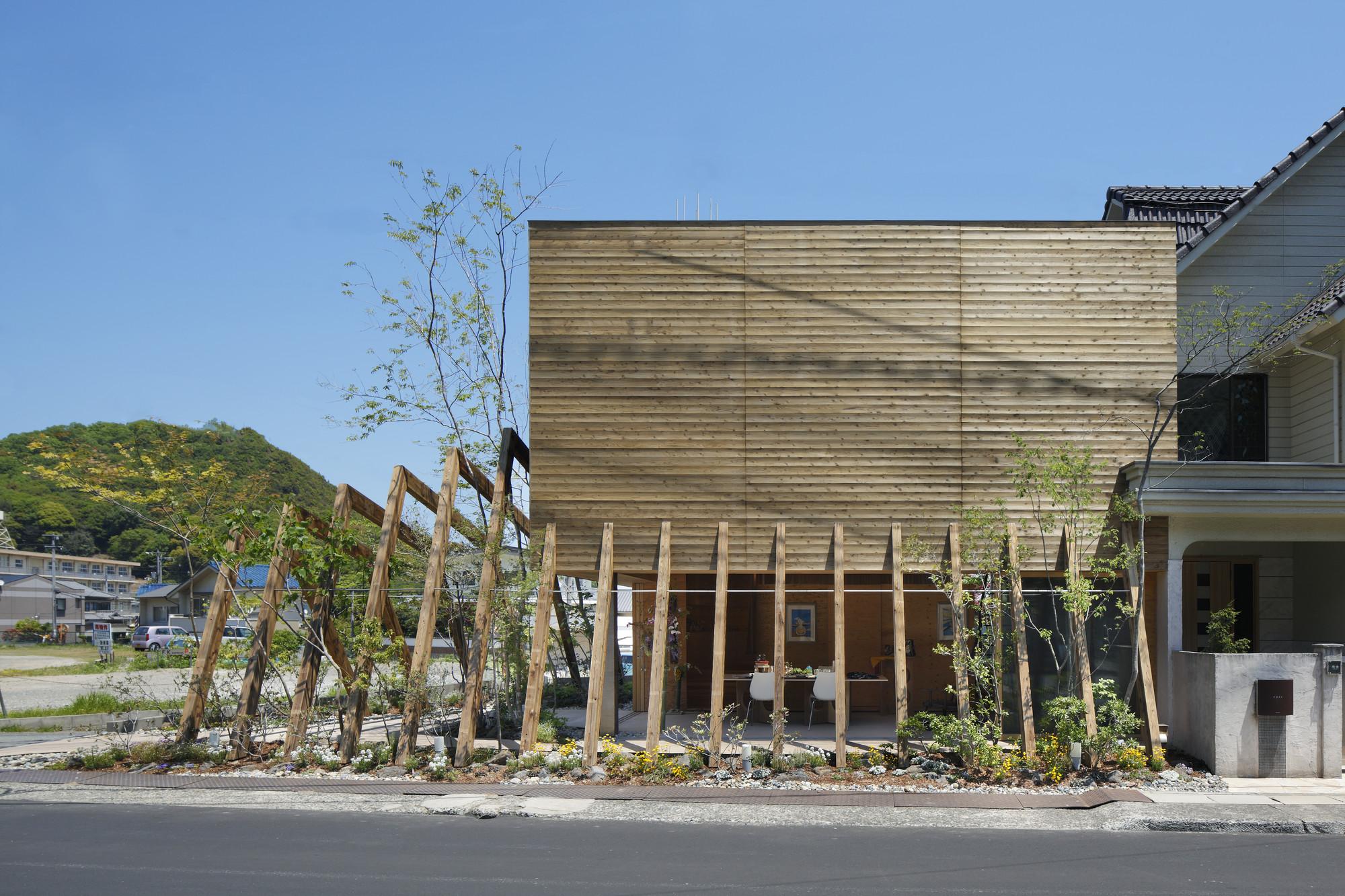 """COCOCHI Comfort Gallery """"UTSUWA"""" / UID Architects, © Koji Fujii/Nacása & Partners Inc"""