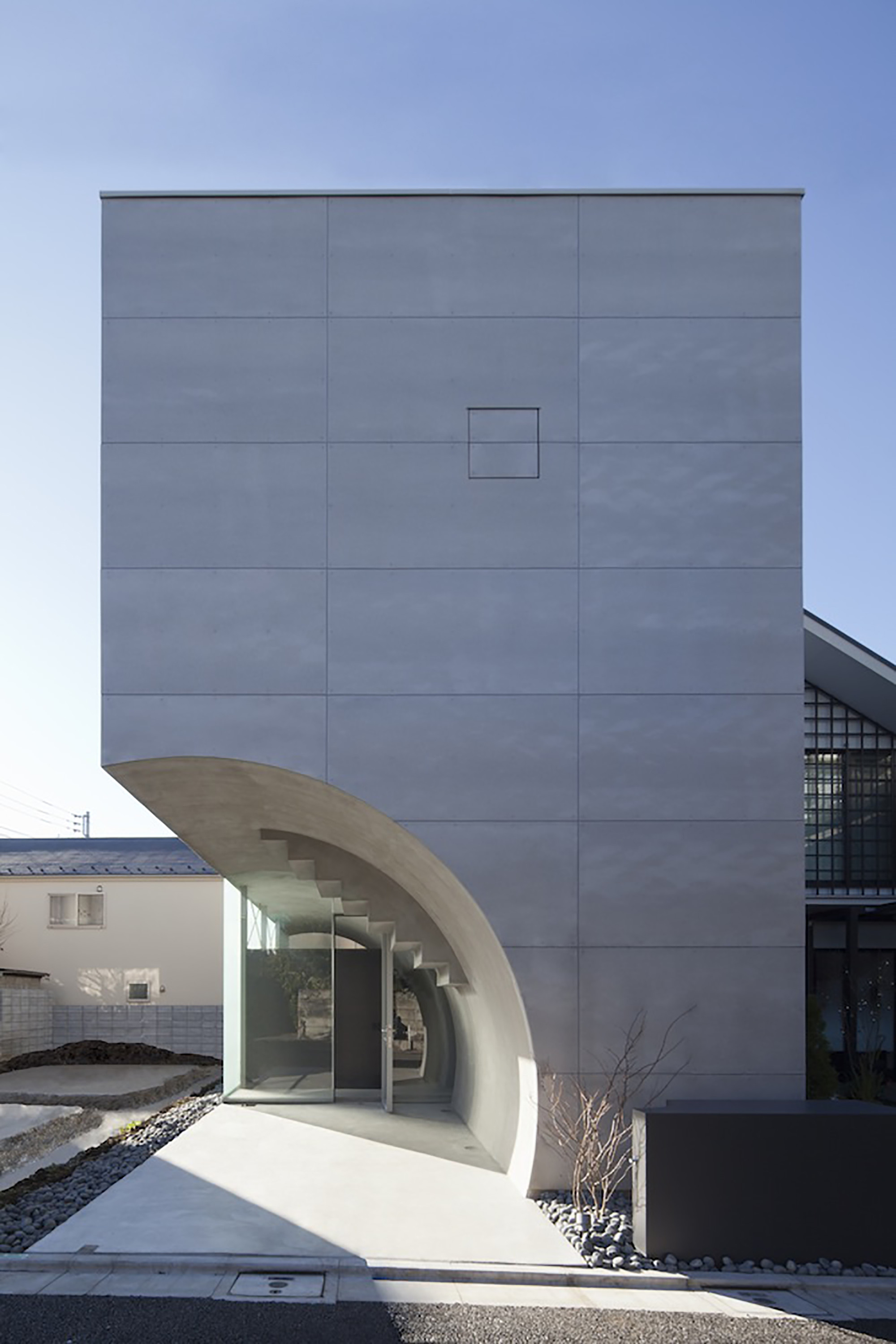 Tunnel House / Makiko Tsukada Architects