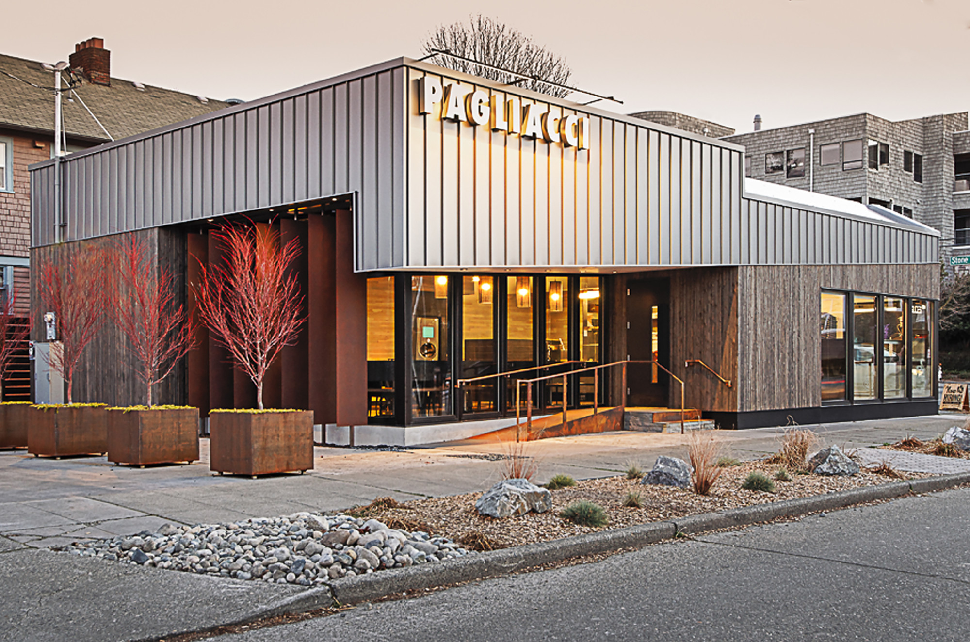 Pagliacci Pizza / Floisand Studio, Courtesy of Floisand Studio