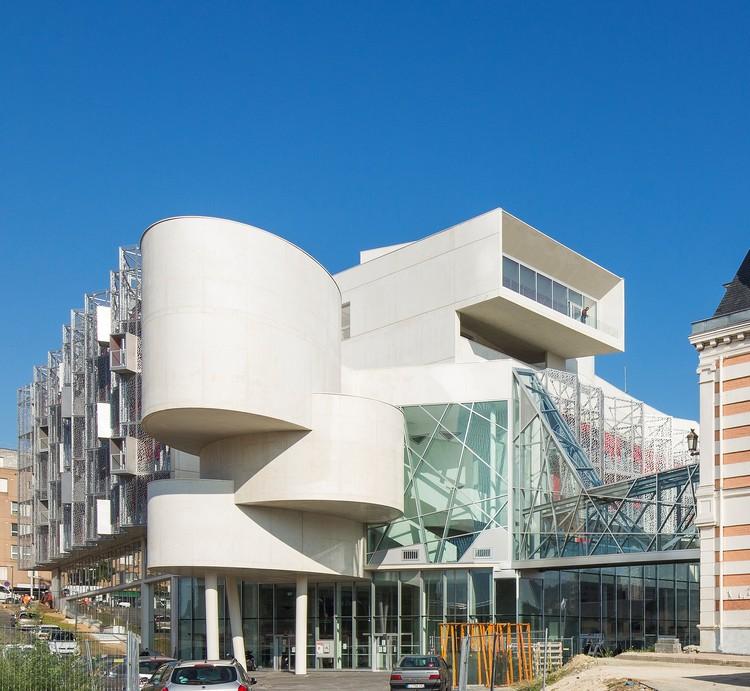 Municipio de Bagnolet / Jean-Pierre Lott Architecte, © Luc Boegly