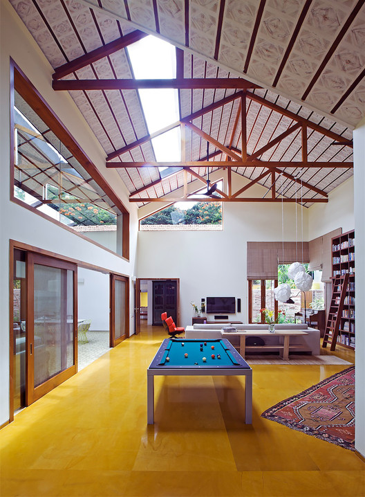 Shamanth Patil J. & The Library House / Khosla Associates | ArchDaily