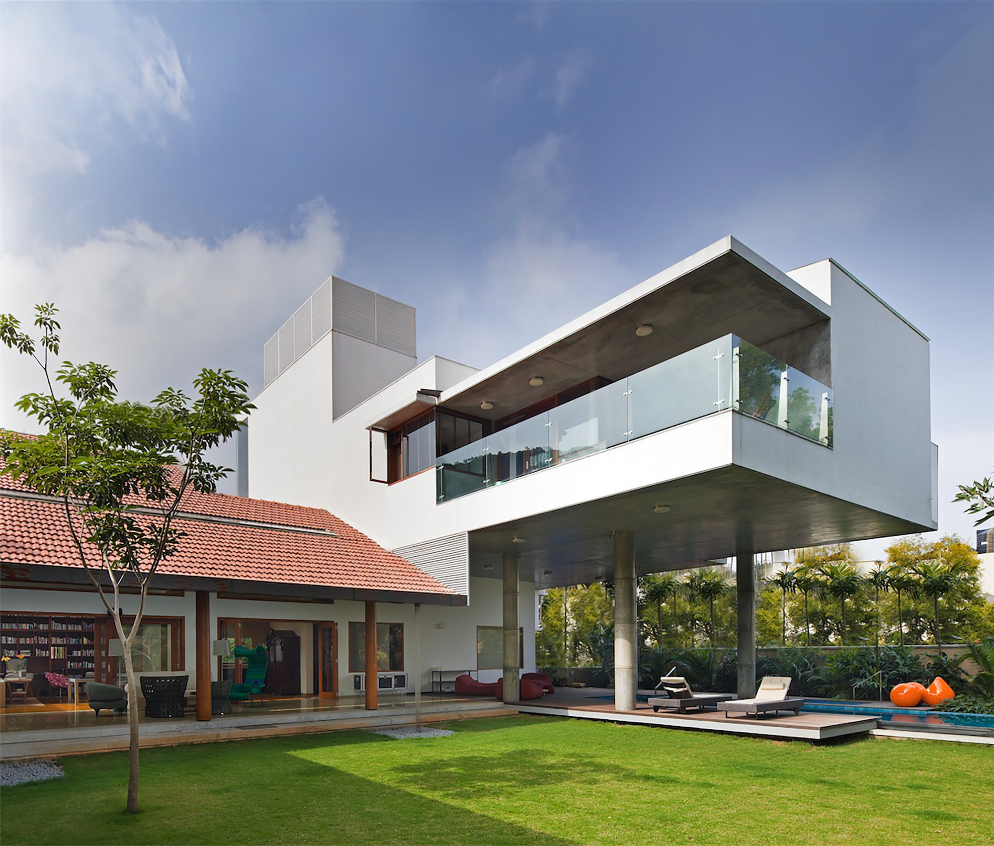 The Library House  / Khosla Associates, © Shamanth Patil J.