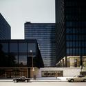 Mies van der Rohe, Westmount Square, Montreal, 1965–8; plaza. Imagem Cortesia de Chicago History Museum