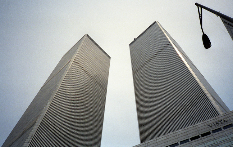 AD Classics: World Trade Center / Minoru Yamasaki Associates + Emery Roth & Sons, via Wikipedia Commons