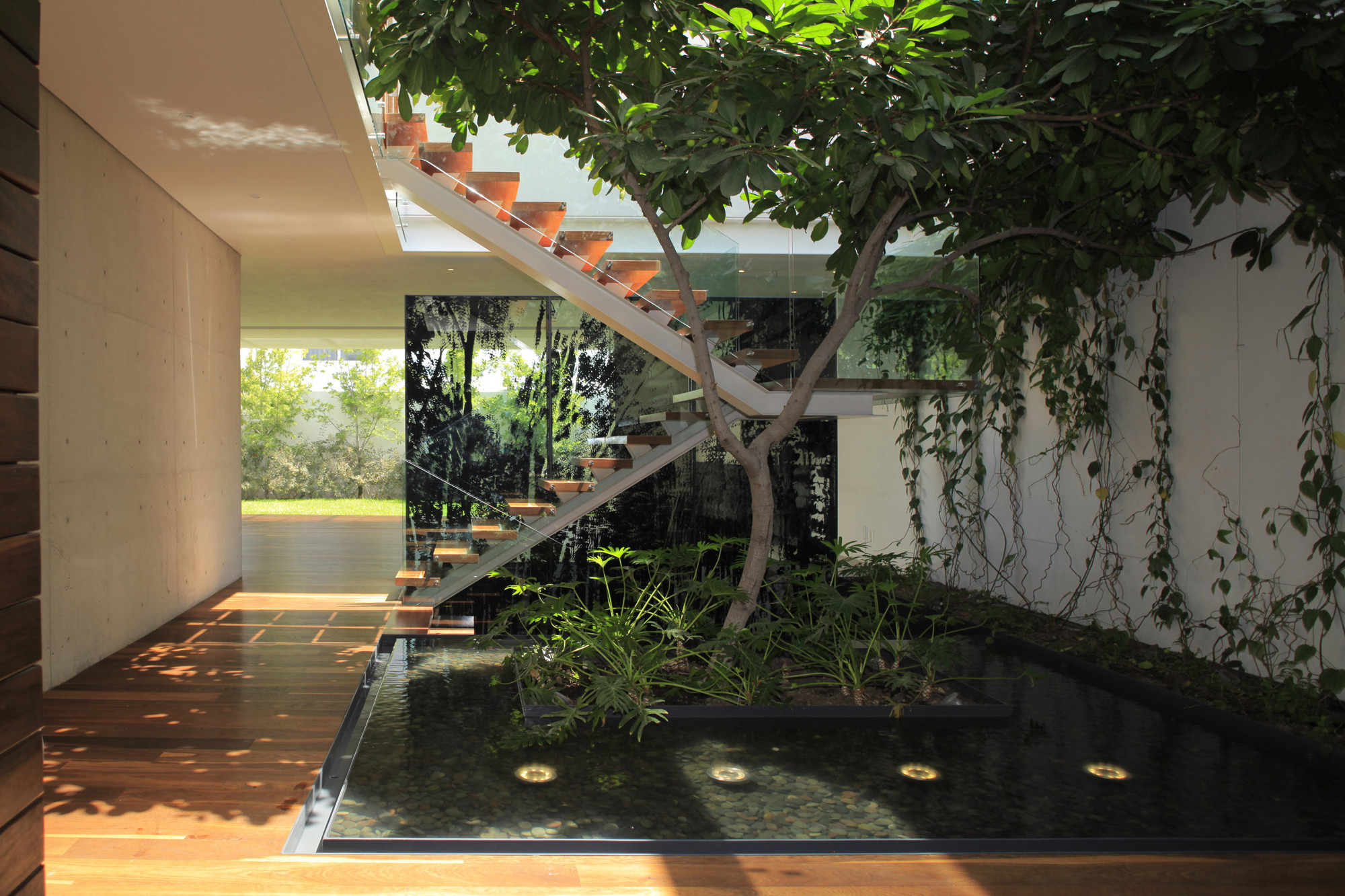 Gallery of casa veintiuno hern ndez silva arquitectos 15 - Jardin japones interior ...