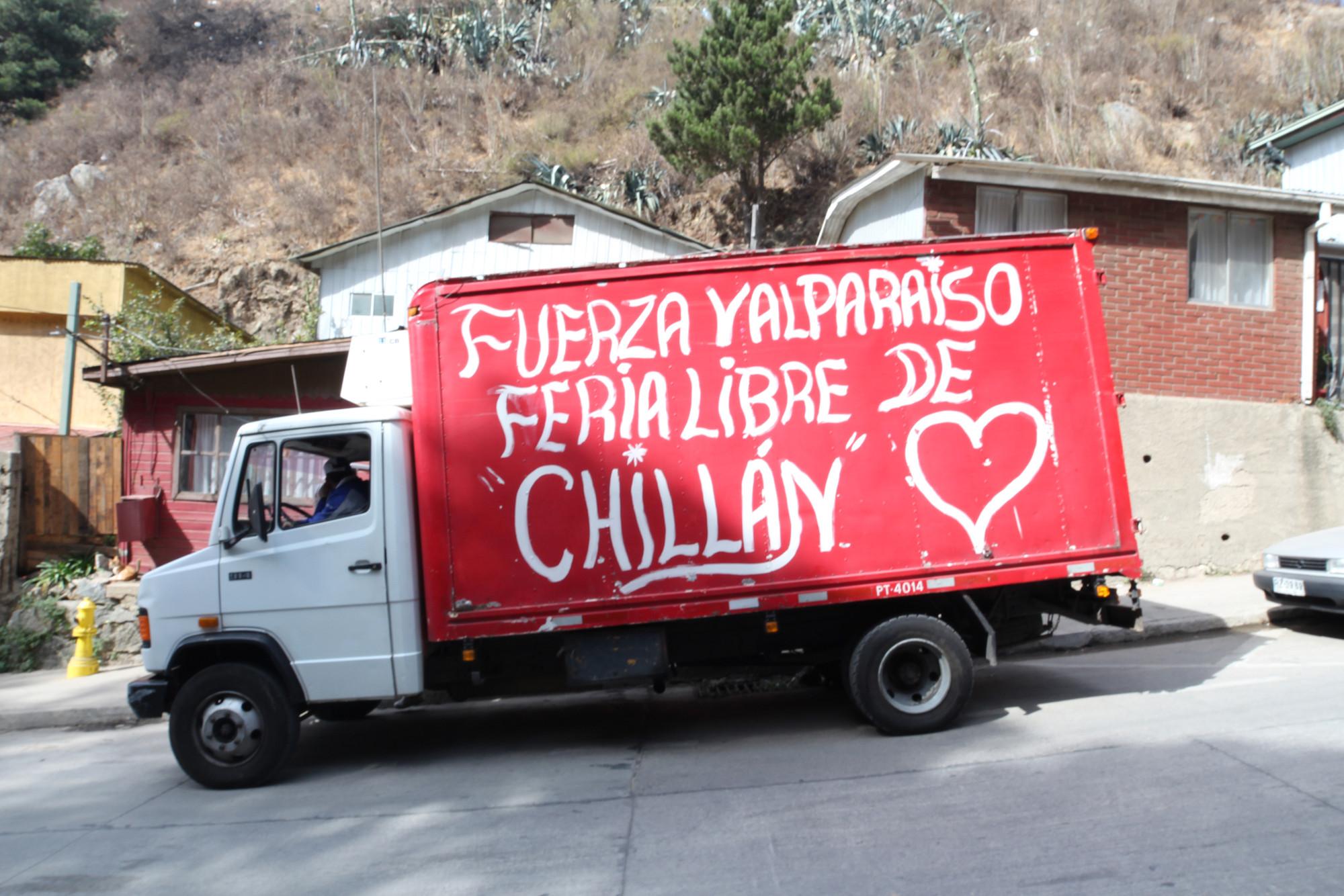 Escuelas de Arquitectura de Valparaíso se reúnen para decidir futuros pasos ante la reconstrucción, Avenida Francia, Valparaíso. Image Courtesy of Nicolás Valencia