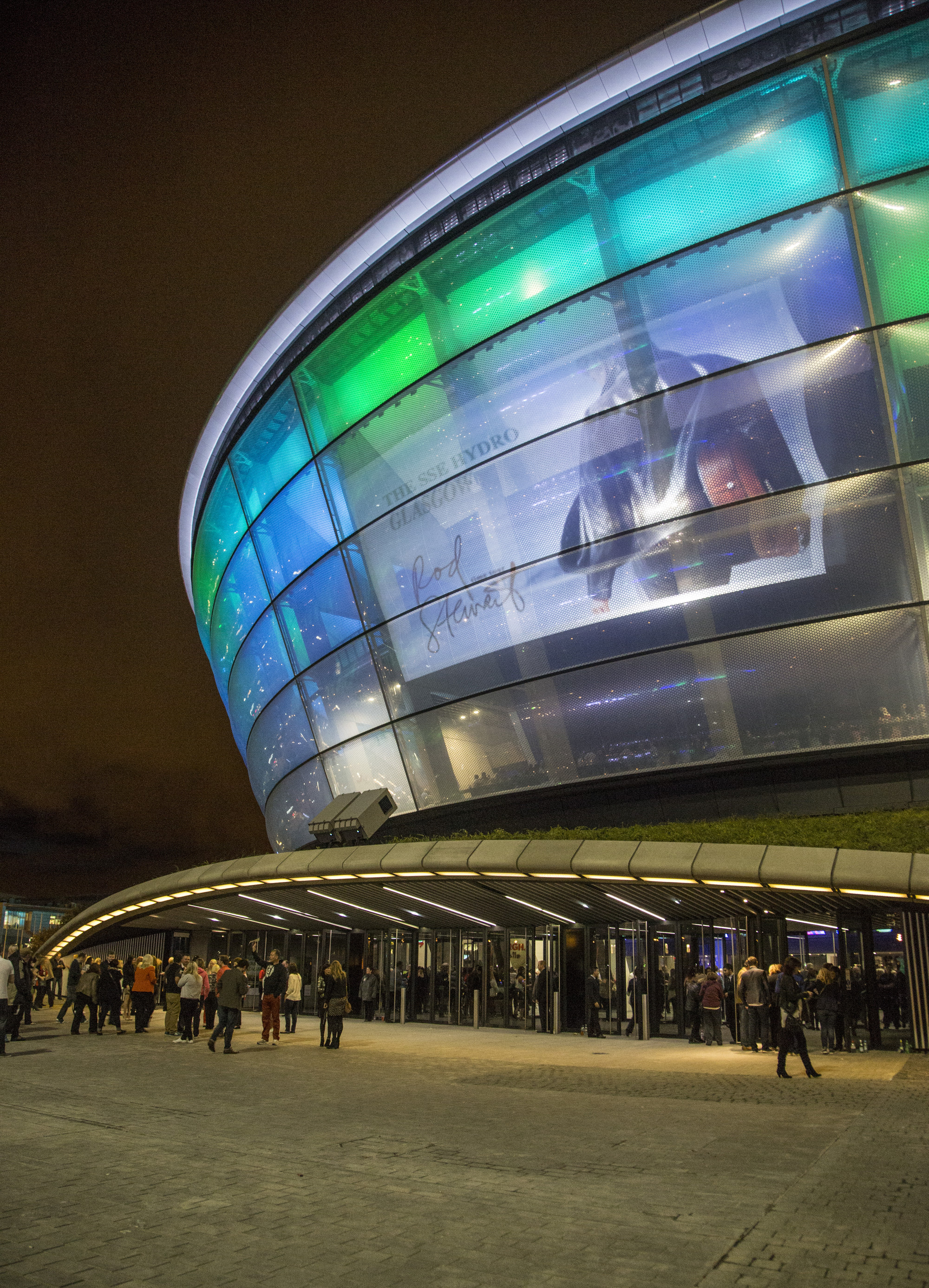 Foster partners sse hydro arena features translucent skin innovative seating system