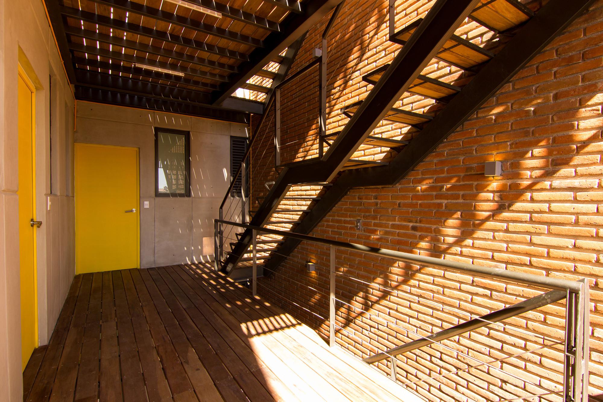 Galeria de bosques flats hgr arquitectos 24 for Couchtisch 1 00 x 1 00