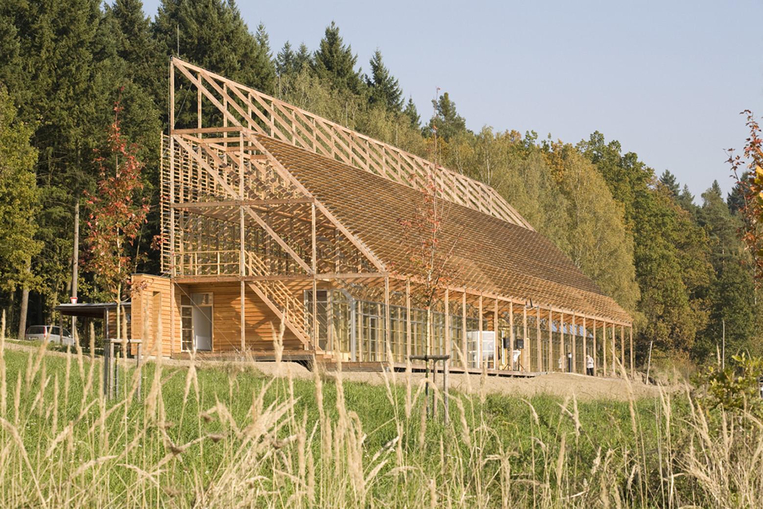 Pisek City Forest Administration / Hut Architektury Martin Rajnis