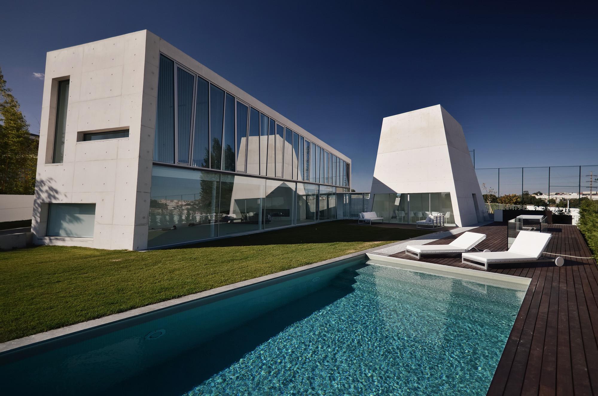 Galeria de casa alcoutins guedes cruz arquitectos 1 for Arquitectos para casas