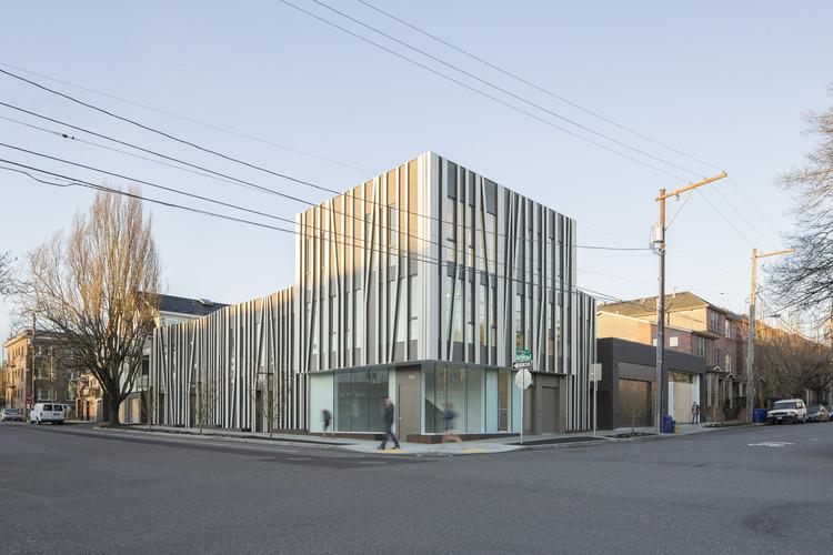 Overton 19 Townhouses / Works Progress Architecture, © Joshua Jay Elliott