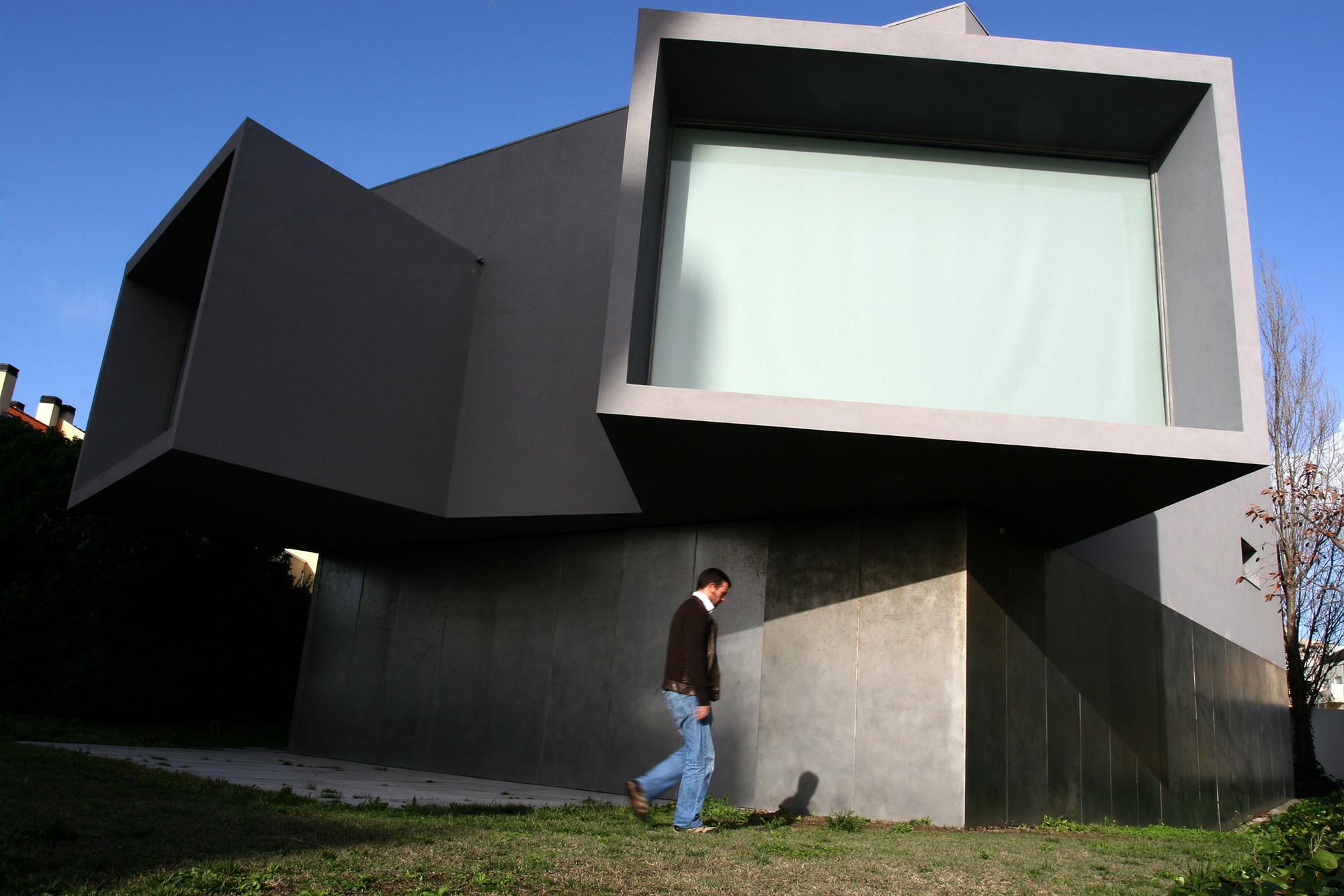 Câmara do Porto põe à venda a Casa Manoel de Oliveira, projetada por Souto de Moura, © José Carlos Coelho