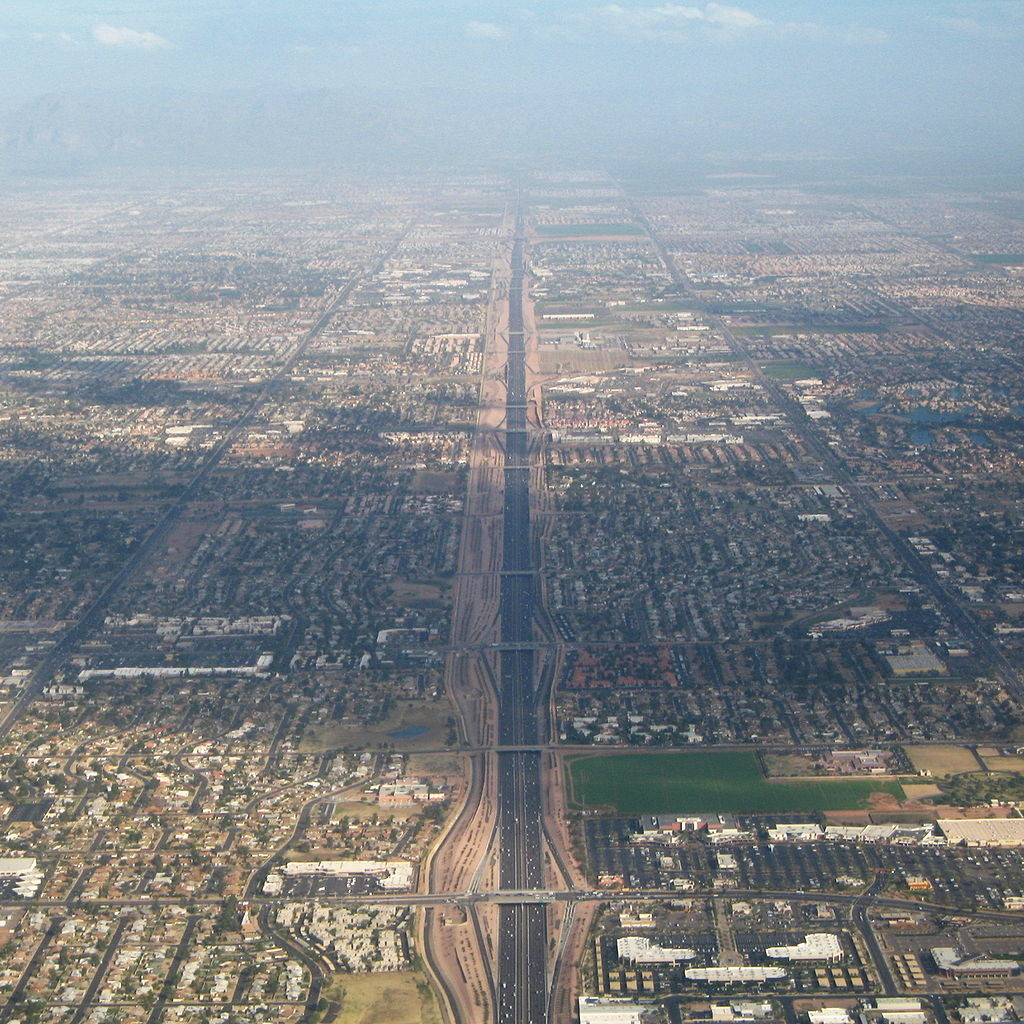 Urban Sprawl in the US: The 10 Worst Offenders, Route 60 in Phoenix, AZ. Image © Wikimedia CC user Greg O'Beirne