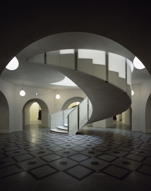 The main rotunda at the Tate Britain, by Caruso St John. Image © Helene Binet