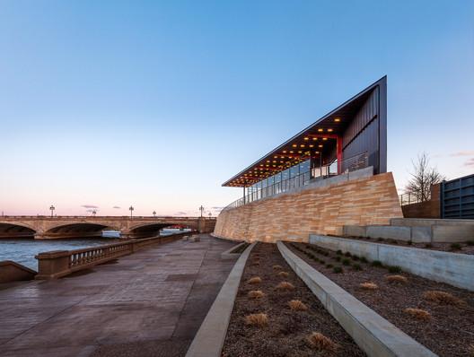 Principal Riverwalk Pavilion / Substance Architecture