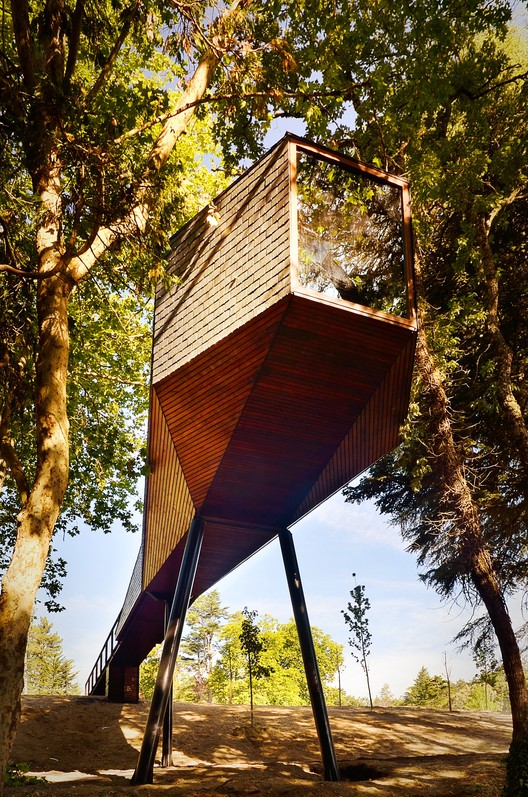 The Tree Snake Houses - A New, Smaller Trend In Hospitality Architecture. Image © Ricardo Oliveira Alves
