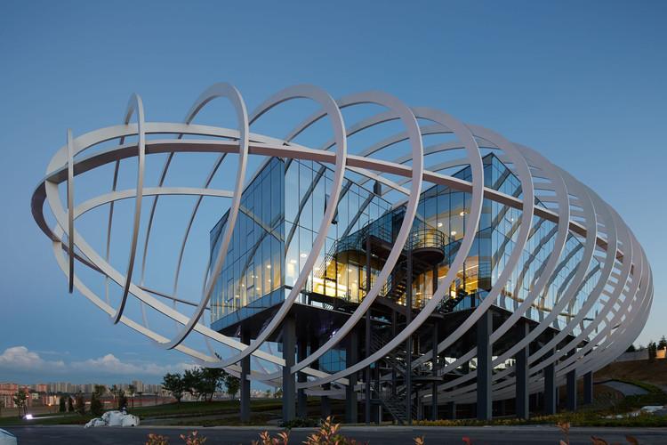 Sala de Exposiciones Tema Estambul / Yazgan Design Architecture, © Yunuz Özkazanç