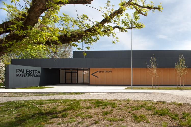 Temporary School Gymnasium / Didonè Comacchio Architects + MIDE architetti , © Alessandra Bello