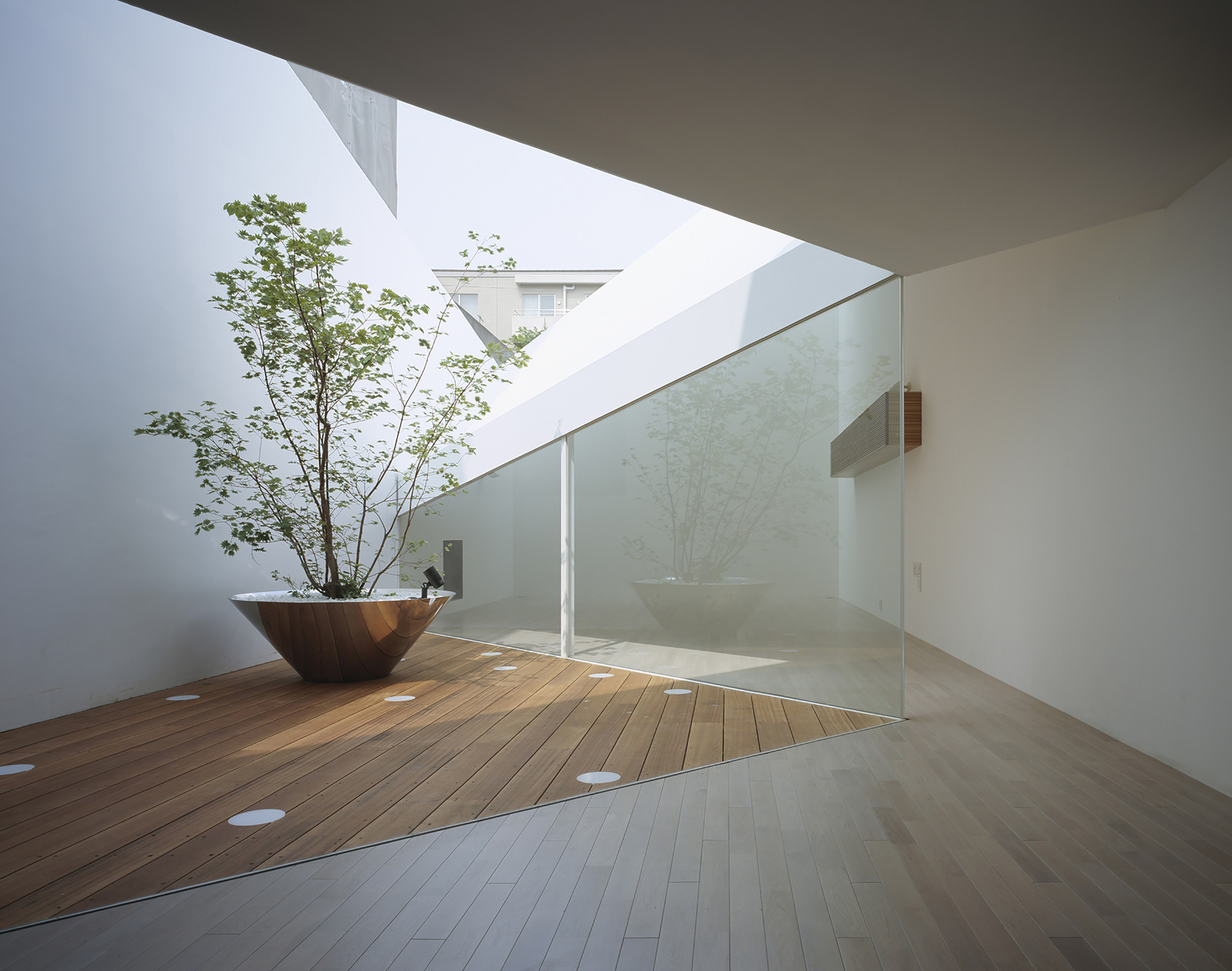 A Hill on a House / Yuko Nagayama & Associates, © Daici Ano