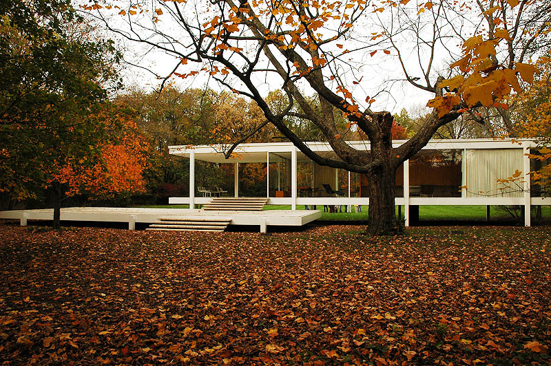 Hydraulic Stilts Considered to Protect Farnsworth House, Mies van der Rohe's Farnsworth House. Image © Greg Robbins