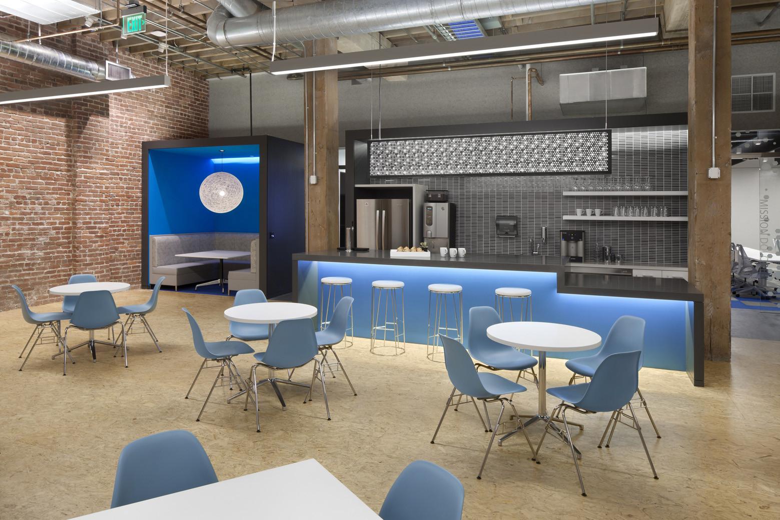 Adobe 410 townsend valerio dewalt train associates - Muebles de cafeteria ...