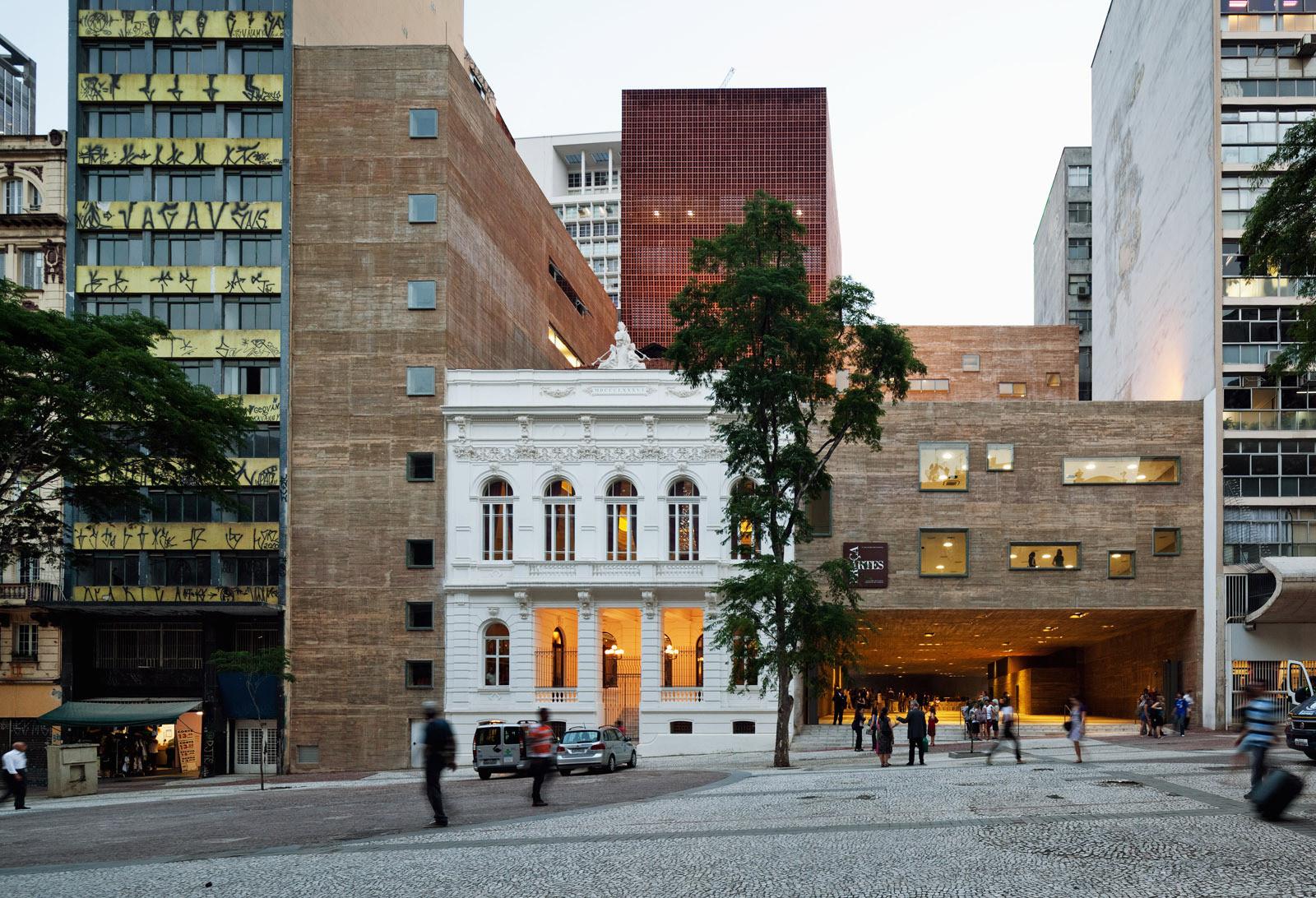 Projetos brasileiros selecionados pelo Prêmio das Américas Mies Crown Hall, Praça das Artes / Brasil Arquitetura. Image© Nelson Kon