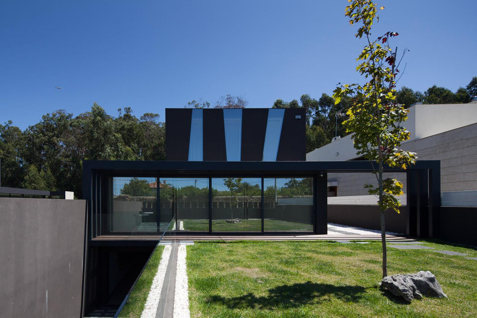 Fábio Coentrão House / António Fernandez Architects, © Jose Campos