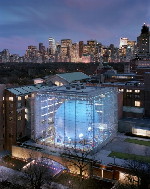 """""""Every Building is a Social Critique"""" - Polshek Describes His Oeuvre in Latest Book, Polshek's memorable design for the Rose Center for Earth and Space (2000) at the American Museum of Natural History in New York. Image © Timothy Hursley"""