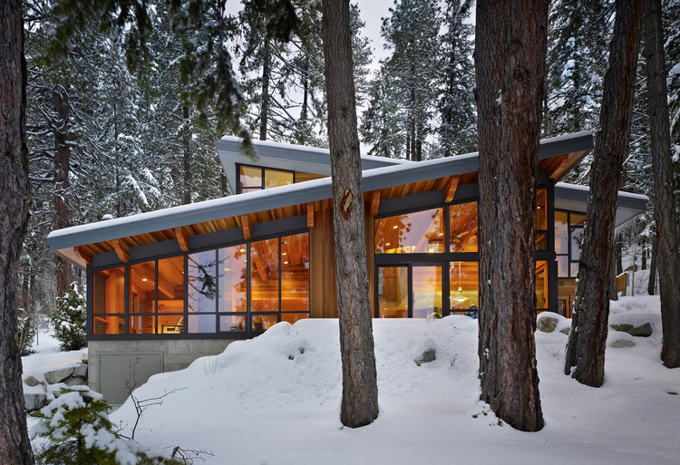 Casa en el Norte del Lago Wenatchee / DeForest Architects, © Benjamin Benschneider