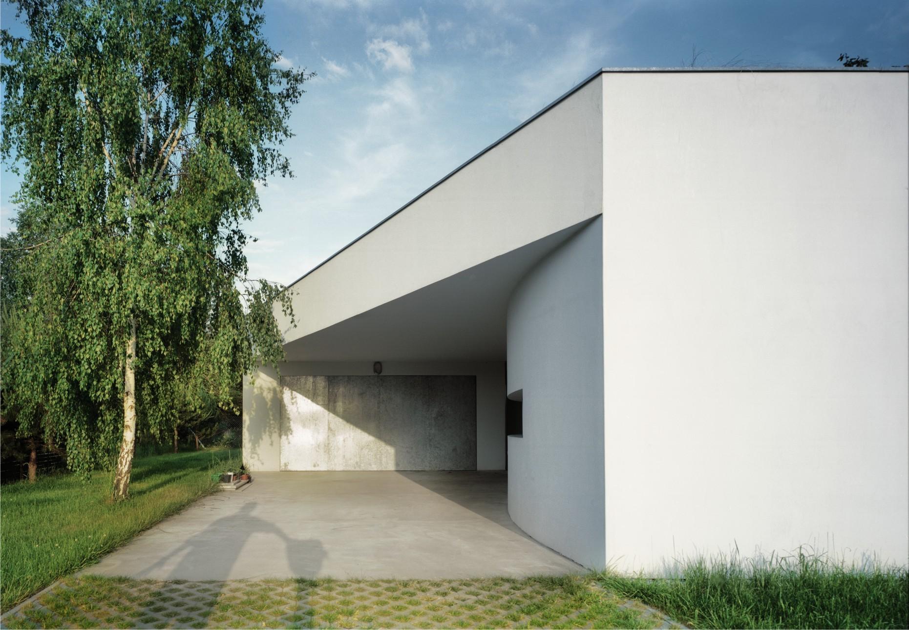 Outrial House / Robert Konieczny KWK Promes