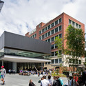 Victoria University of Wellington, Campus Hub and Library Upgrade / Architectus and Athfield Architects. Image © Paul McCredie