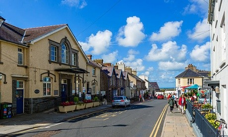 What Makes a City a City?, The presence of a cathedral meant St David's in Pembrokeshire had city status with a population of around 2,000. Image Courtesy of Alamy
