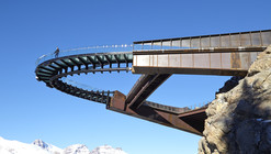 Glacier Skywalk / Sturgess Architecture