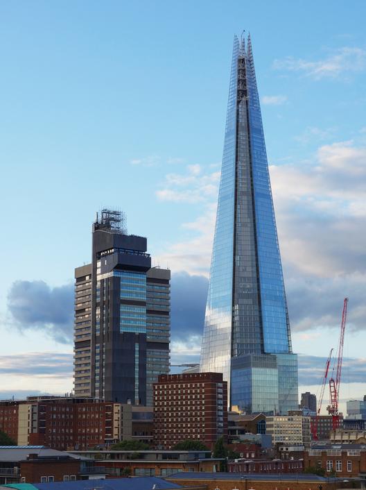 """Preocupações sobre a privacidade dos hóspedes do """"The Shard"""", de Renzo Piano, © Flickr CC User Patrick Collins"""