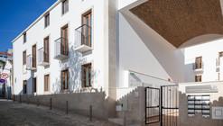 Reabilitação de Edifício em Lagos / Vitor Vilhena Architects