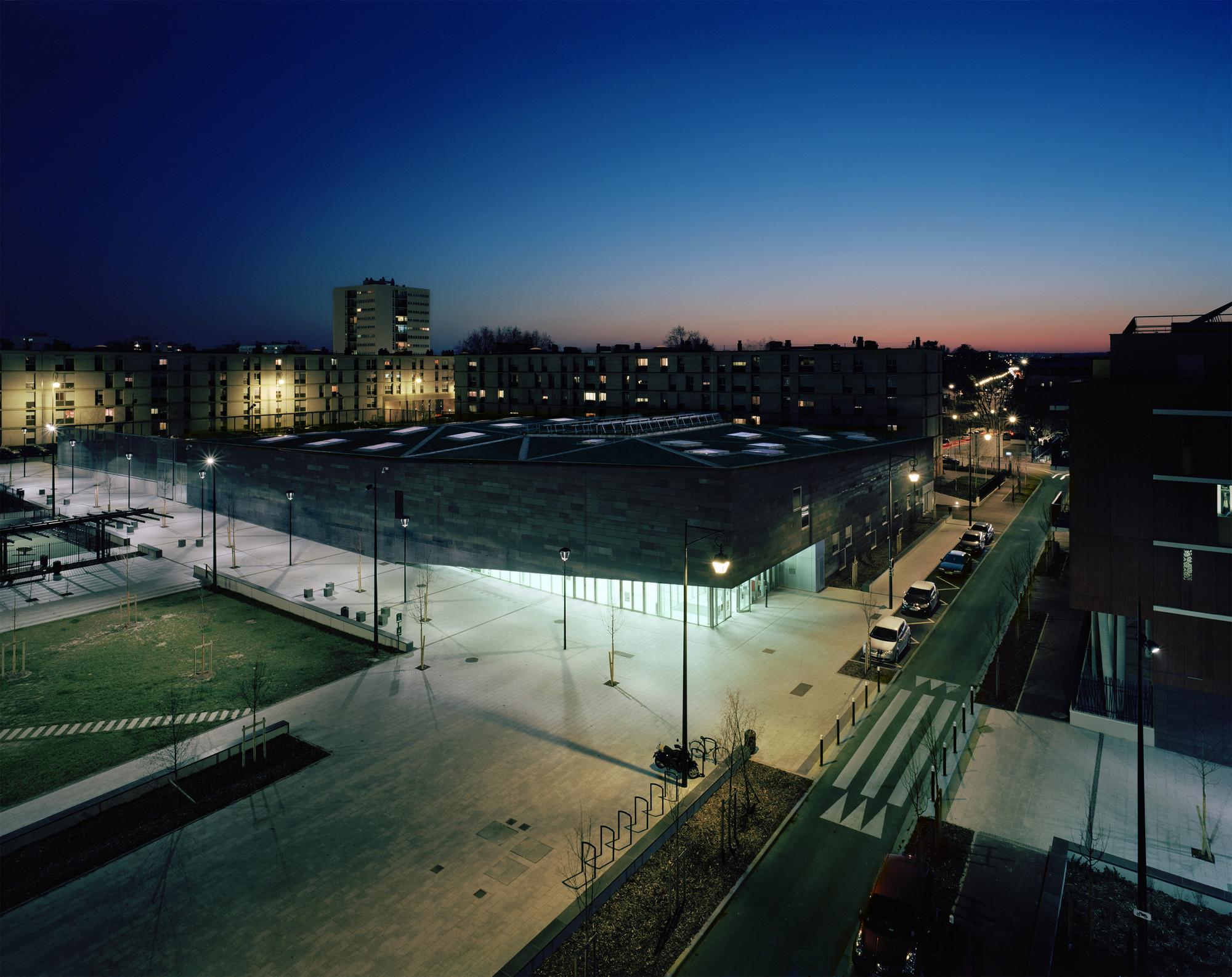 galeria de complexo multiesportivo antony archi5 associados com tecnova architecture 5. Black Bedroom Furniture Sets. Home Design Ideas