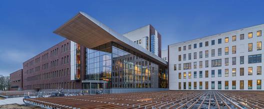 Meander Medical Center / atelierpro